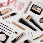 Try-It-Yourself: How 3D & AR Powered Virtual Try-Ons Are Reshaping the Online Makeup Industry